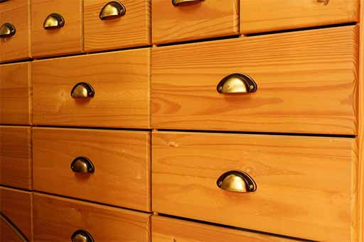 how-to-choose-which-drawer-handles-or-pulls-to-buy Grab a Drill! What You Need to Build Your Own Cabinets